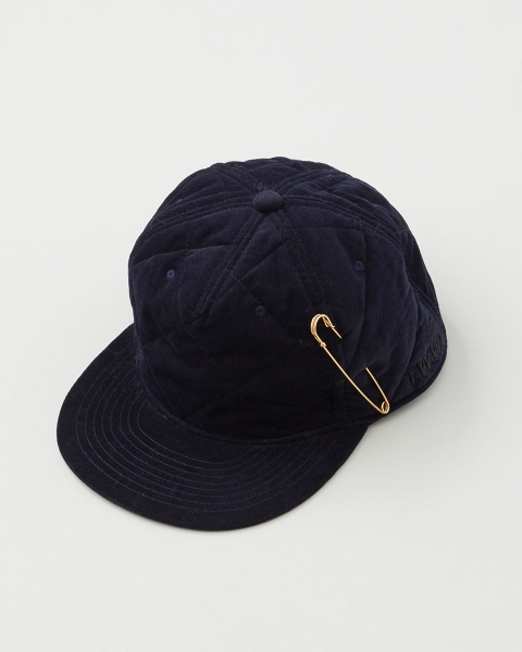 QUILTED CAP WITH PIN