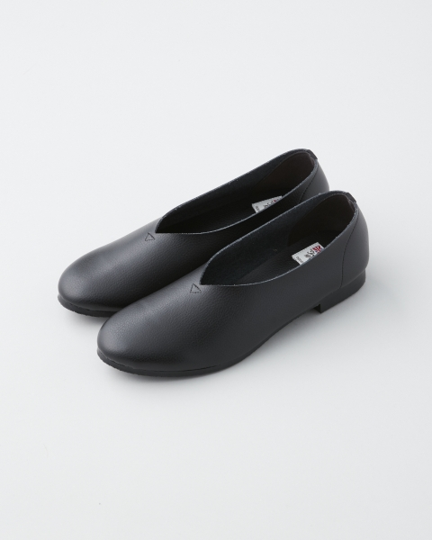 opposite of vulgarity / FLAT SLIP-ON