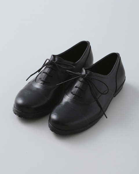 LACE UP RAIN SHOES