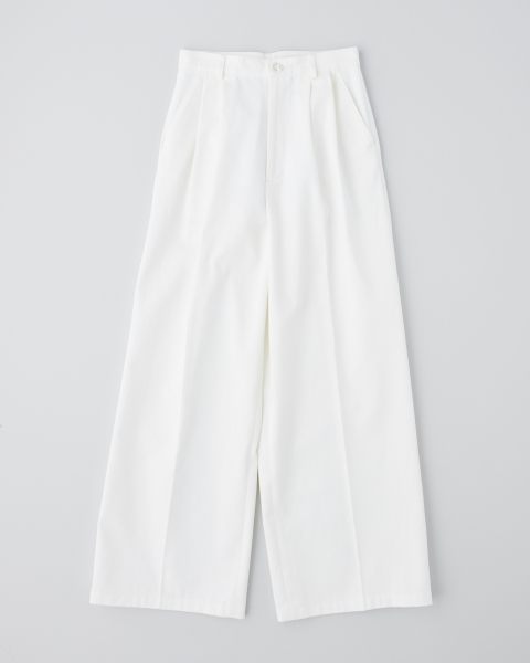 CENTER PLEATS WIDE PANTS