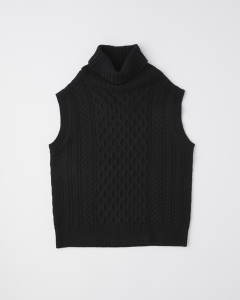 CABLE TURTLE NECK VEST